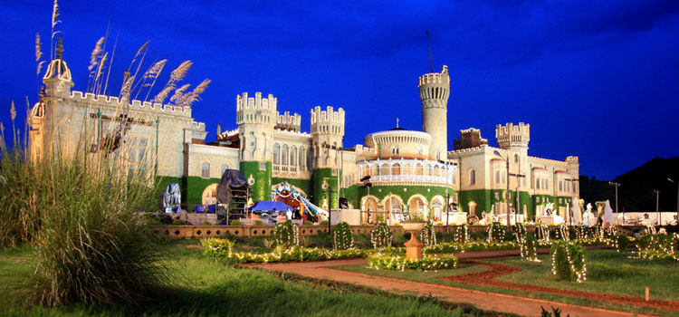 Bangalore Palace (Timings, Entry Fee, Address & Entrance ...